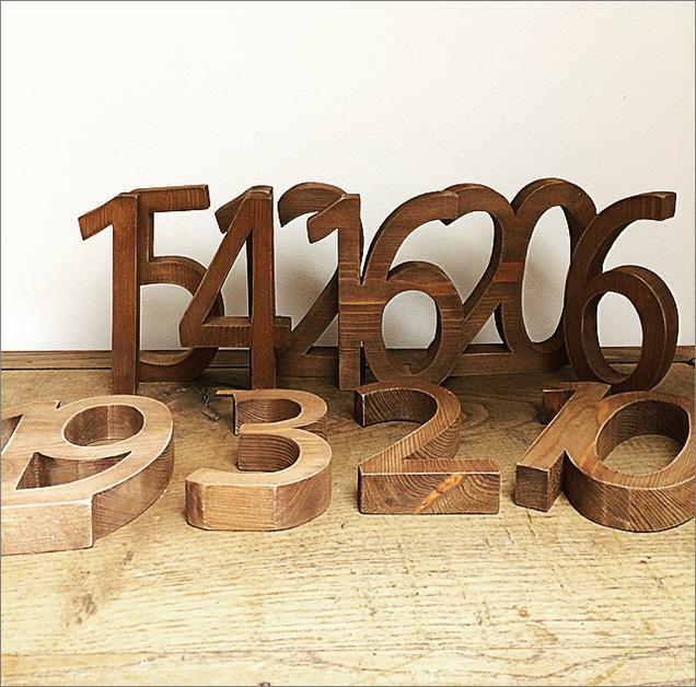 Numéro en bois