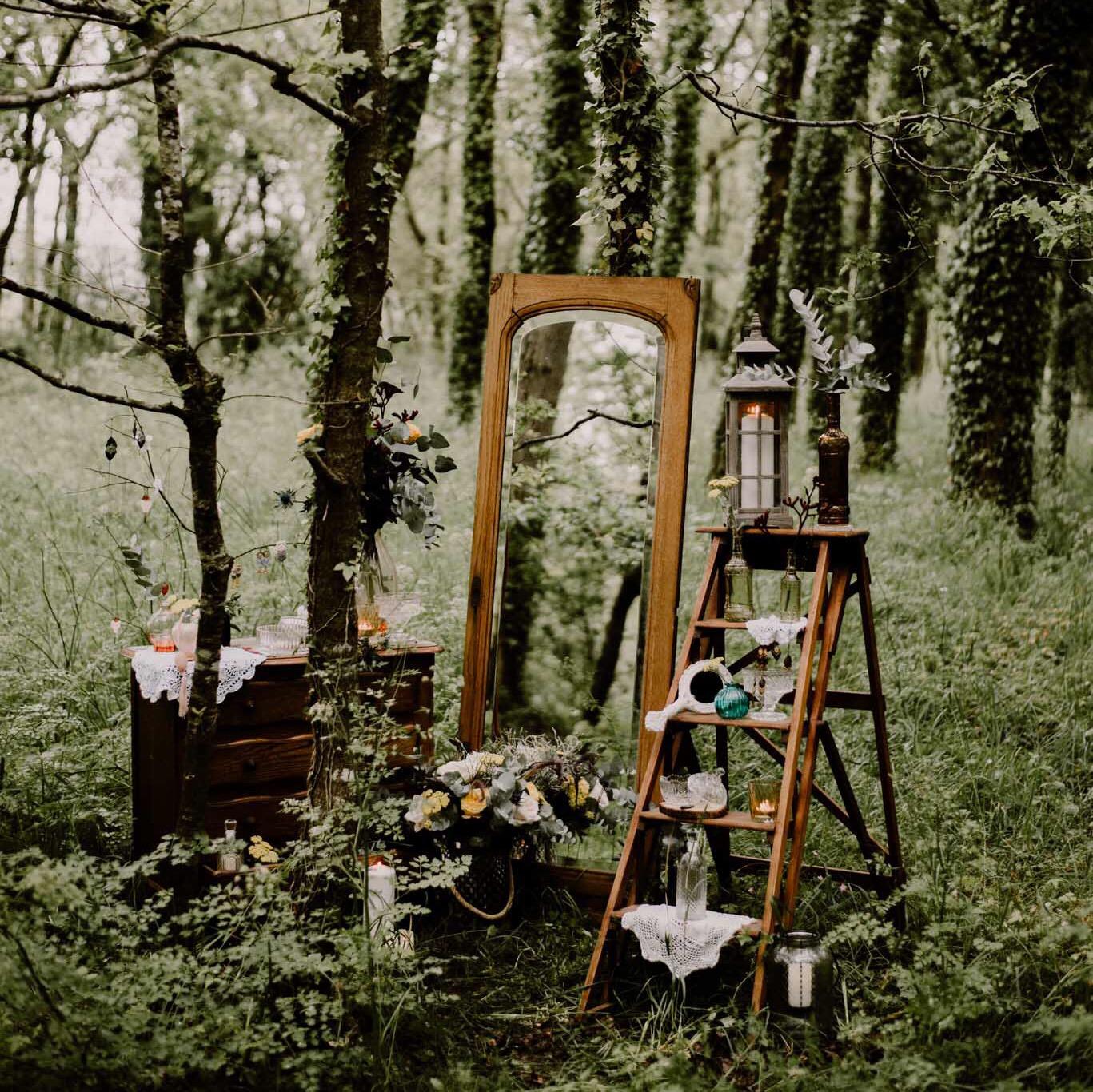 Miroir Contour Bois Commode 4 tiroirs