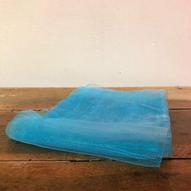 nœud en organza bleu clair